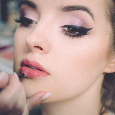 Goodbye Matte and Hello Shine: Lip Glosses And The Makeup Minimalism Movement
