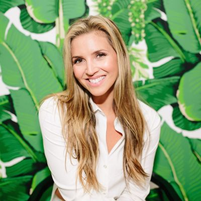 Jessica Morse of Bare Beauty Bares All About Product Reviews, Brand Partnerships, Effective Pitches And The Instagram Algorithm