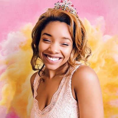 Influencer And Designer Chelli Johnson Exudes Good Cheer On Social Media And Off