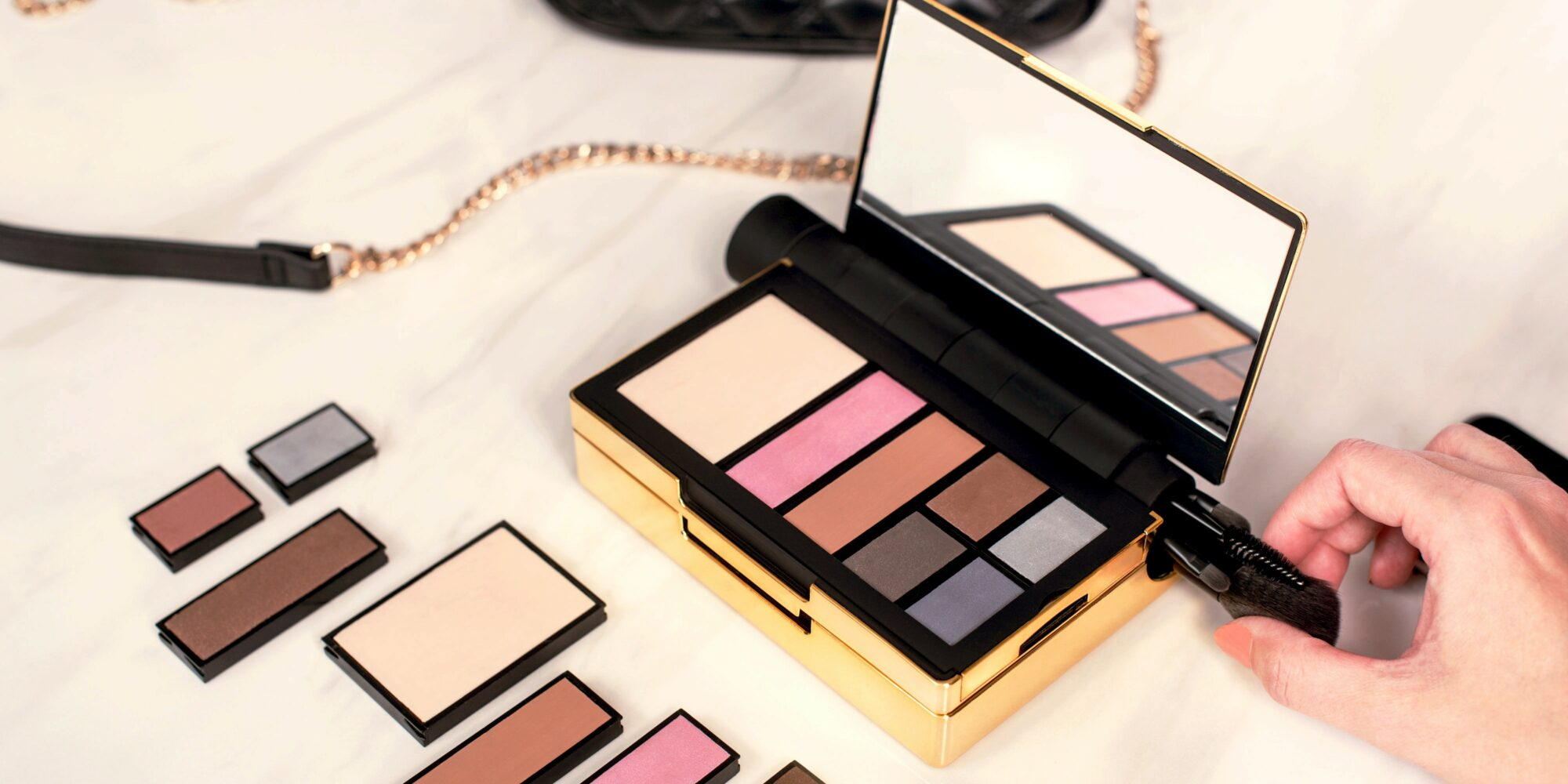 Customizable Palette Concept Renzoe Box Makes Organizing Makeup Easy And Earth-Friendly