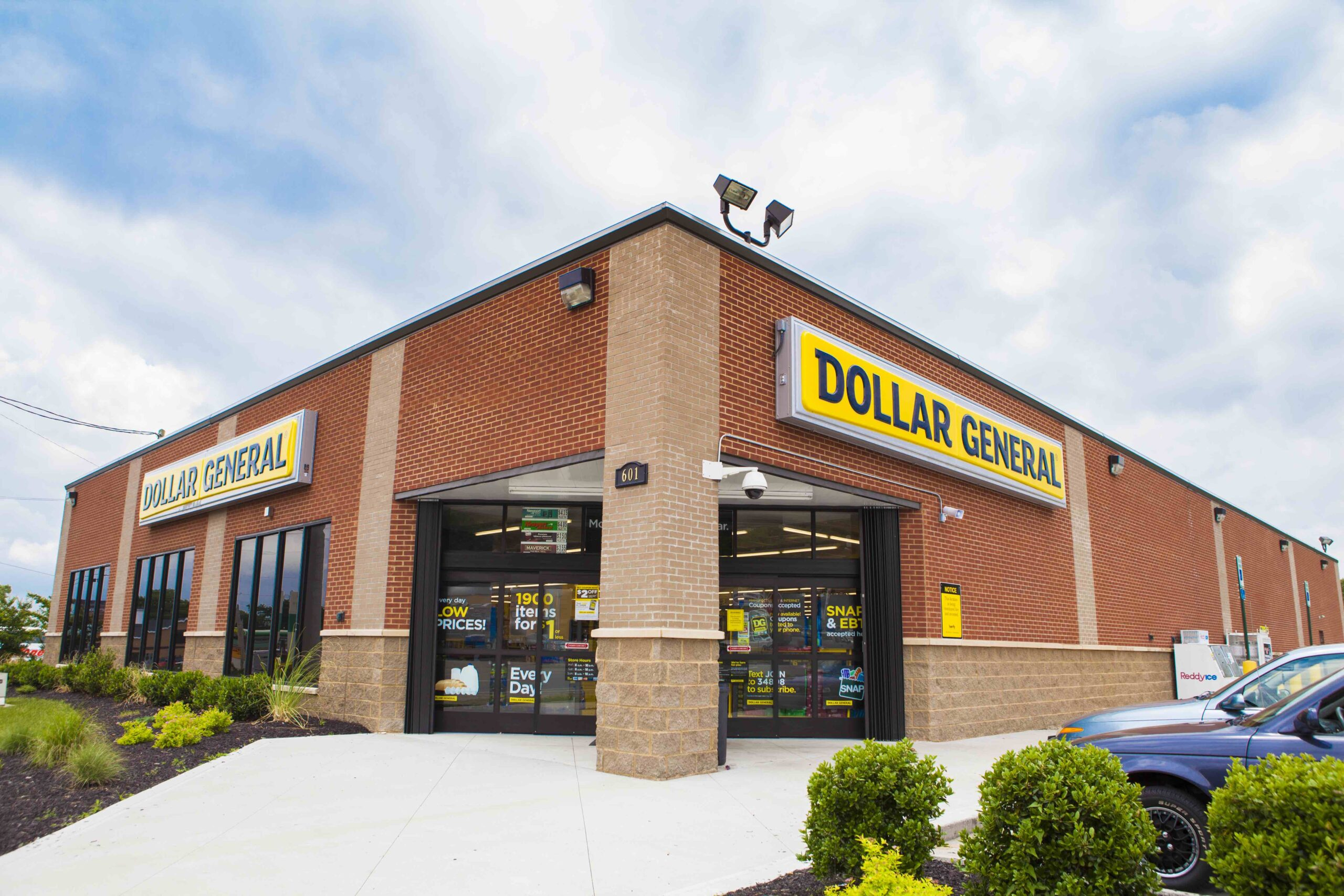 Is Dollar General Open On Christmas Day 2021 Forget Luxury Value Retail Is Where The Beauty Boom Lives Beauty Independent
